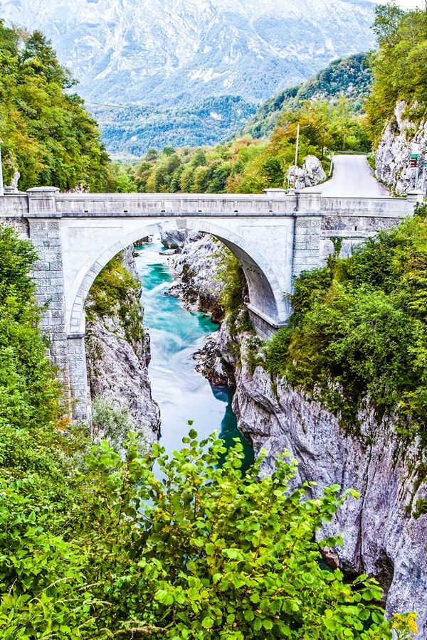 valle-isonzo-slovenia-ponte-napoleone-caporetto Valle dell'Isonzo: cosa fare e vedere tra storia, sport e bellezze naturali
