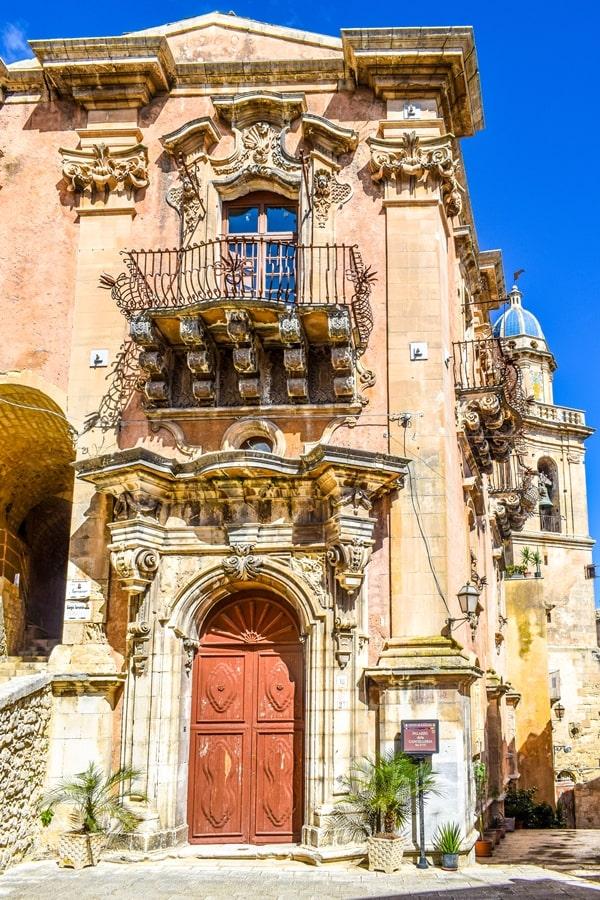 ragusa-ibla-palazzo-cancelleria-01 Cosa vedere a Ragusa in un giorno