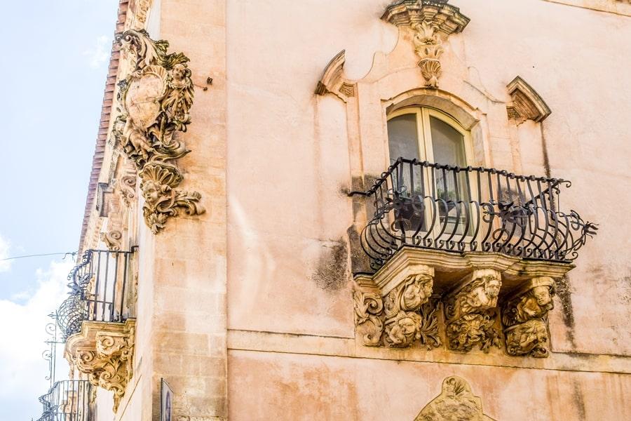 ragusa-palazzo-zacco-01 Cosa vedere a Ragusa in un giorno