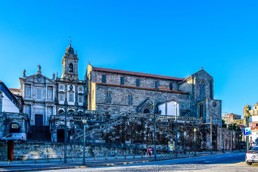 cosa-vedere-a-porto-praca-infante-henrique-03 Cosa vedere a Porto: itinerario di due giorni