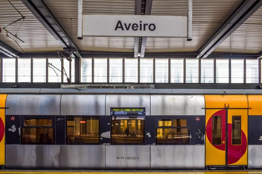 cosa-vedere-aveiro-stazione-ferroviaria Aveiro: cosa vedere tra canali e case colorate a strisce