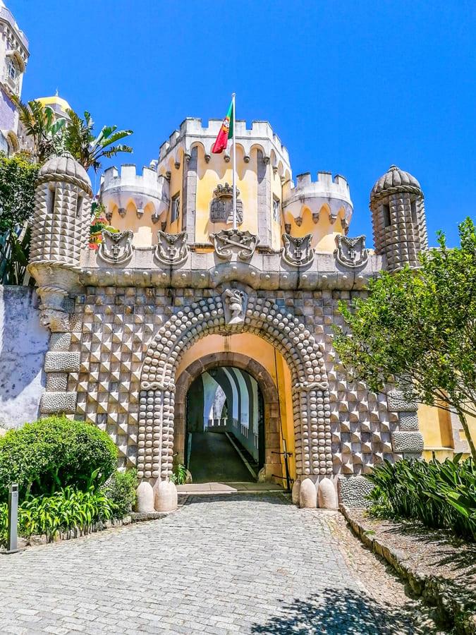 sintra-palacio-da-pena-08 Sintra: cosa vedere in un giorno da Lisbona