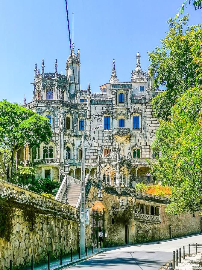 sintra-quinta-da-regaleira-09 Sintra: cosa vedere in un giorno da Lisbona